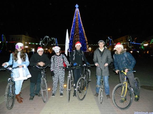 У Тернополі організували передноворічний велозаїзд (фото) (фото) - фото 1