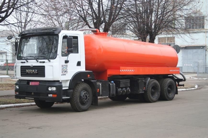 Кременчугские вакуумные ассенизаторы КрАЗ отправились чистить Днепропетровск, фото-2