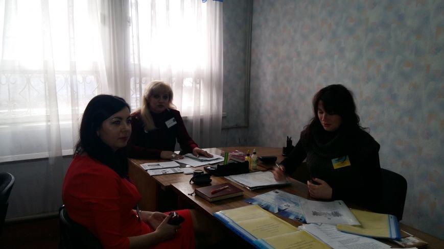 Красноармейский центр занятости провел выездную консультационную акцию для жителей города Родинское (фото) - фото 1