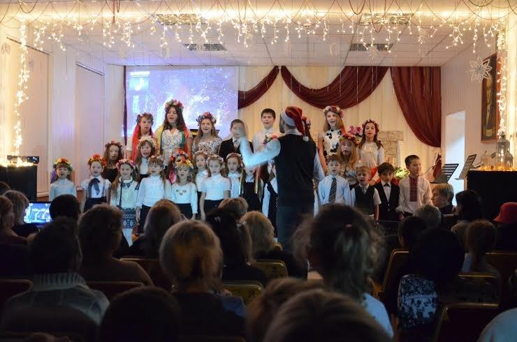 """В Мариуполе более 100 сартанских детей устроили """"Рождество у камина"""" (ФОТО), фото-2"""