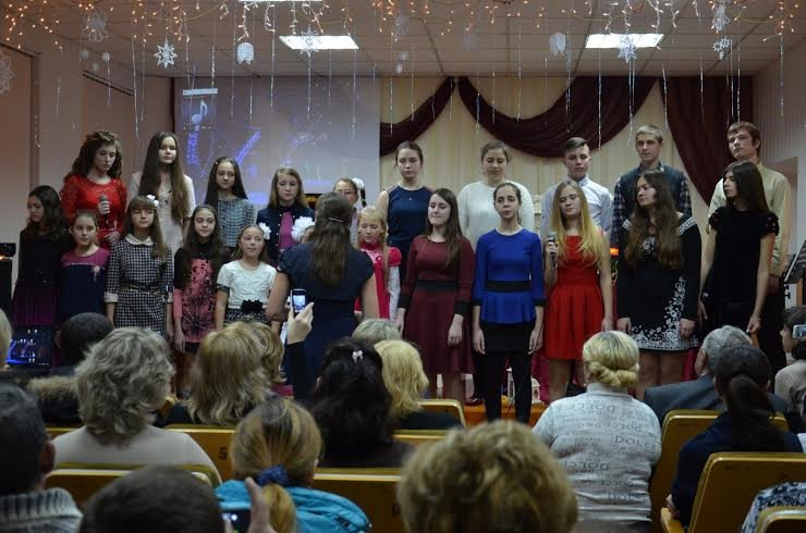 """В Мариуполе более 100 сартанских детей устроили """"Рождество у камина"""" (ФОТО), фото-1"""