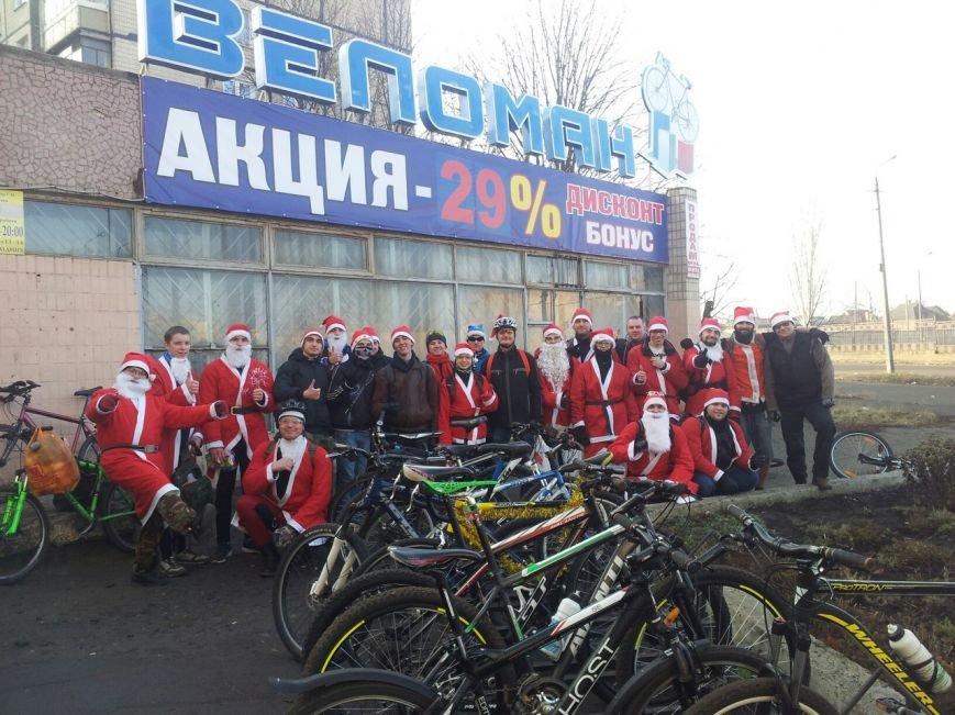 Велопробег Дедов Морозов проспектами Кривого Рога стал новогодним сюрпризом для взрослых и детей (ФОТО), фото-6