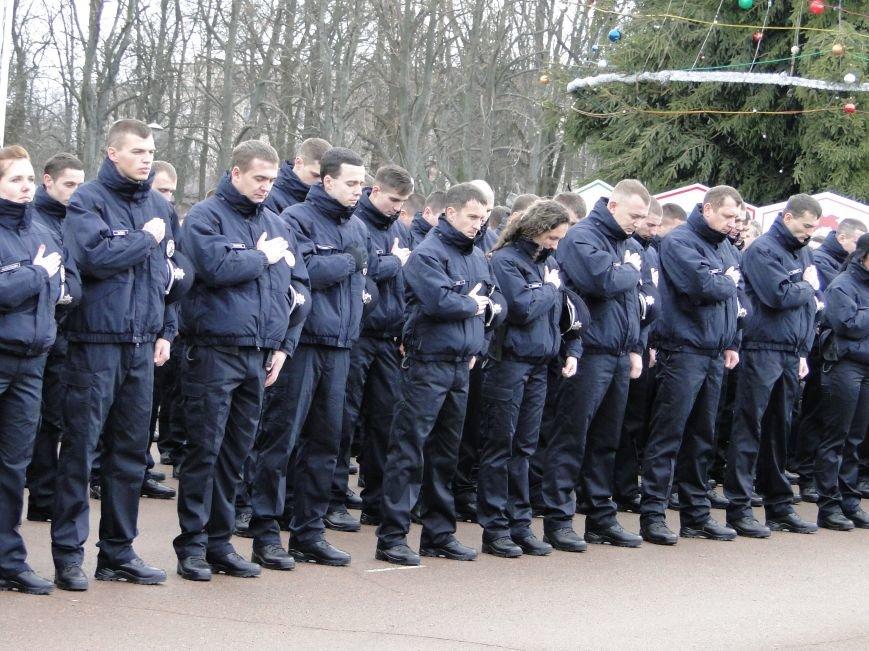 Нова поліція сьогодні присягнула служити громаді Хмельницького (Фото, відео) (фото) - фото 3