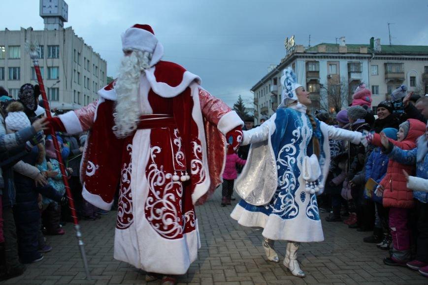 В Белгороде прошёл парад Дедов Морозов и Снегурочек, фото-8