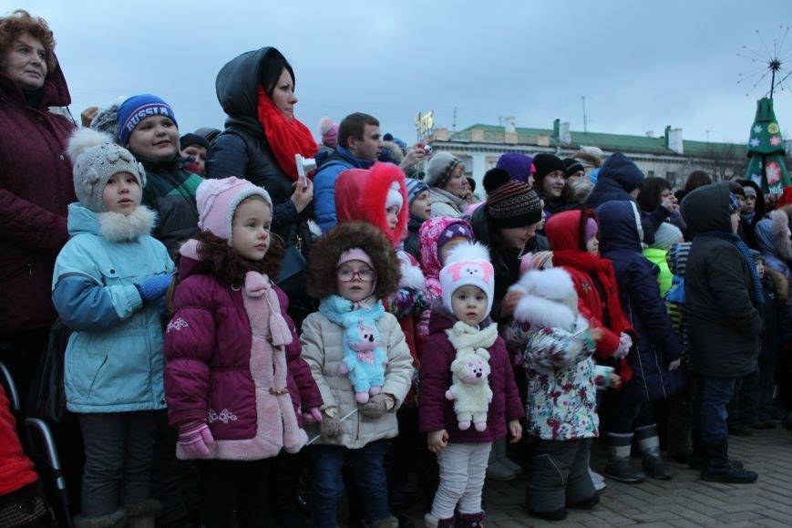 В Белгороде прошёл парад Дедов Морозов и Снегурочек, фото-7