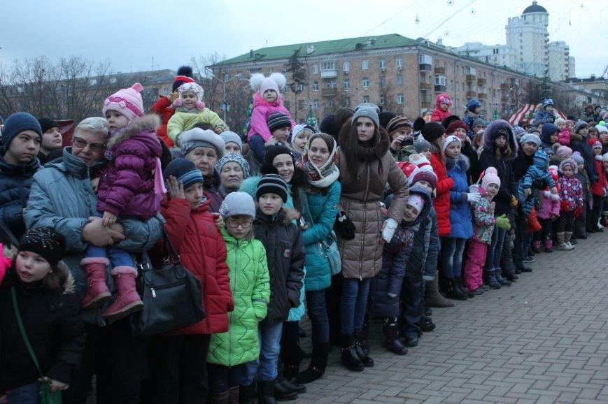 В Белгороде прошёл парад Дедов Морозов и Снегурочек, фото-4