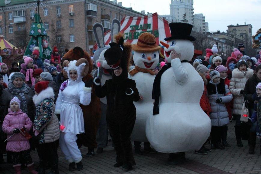 В Белгороде прошёл парад Дедов Морозов и Снегурочек, фото-6