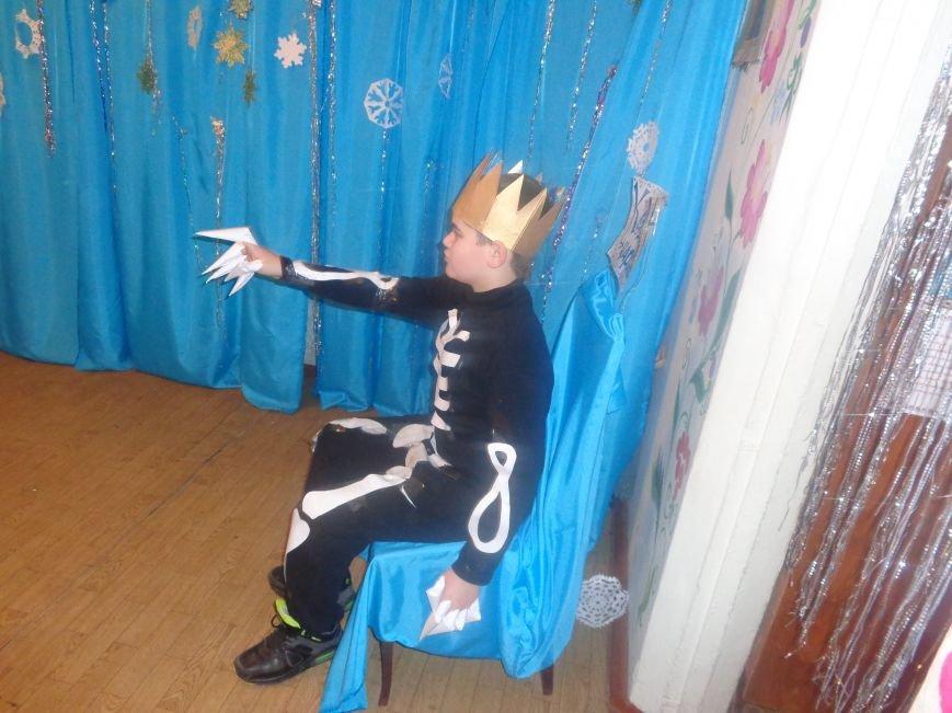 Душевно, ярко и творчески: в клубе «Ровесник» в Красноармейске прошел новогодний детский утренник (фото) - фото 10