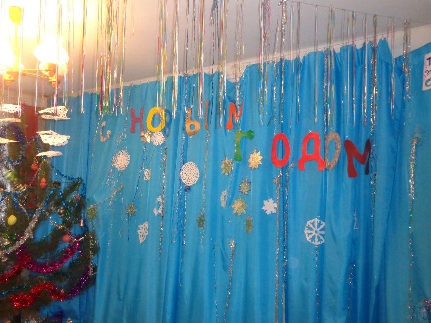 Душевно, ярко и творчески: в клубе «Ровесник» в Красноармейске прошел новогодний детский утренник (фото) - фото 2