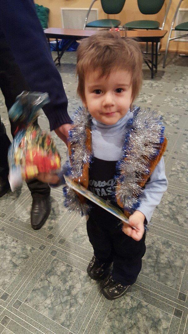 Весна собрала более ста детей из Пушкина на благотворительный праздник (фото) - фото 1