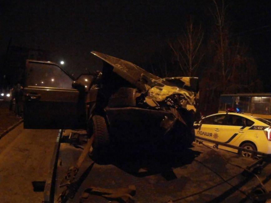 ДТП в Чернигове: машина врезалась в маршрутку, фото-4