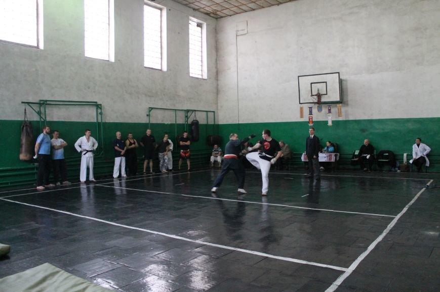 В Артемовске-Бахмуте выяснили отношения СИЗО и полиция, фото-5