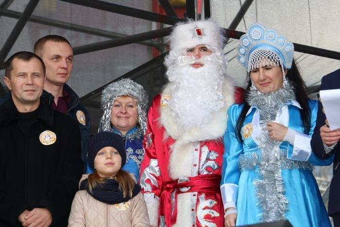 В Ялте в шестой раз прошел Мороз-Парад, фото-1