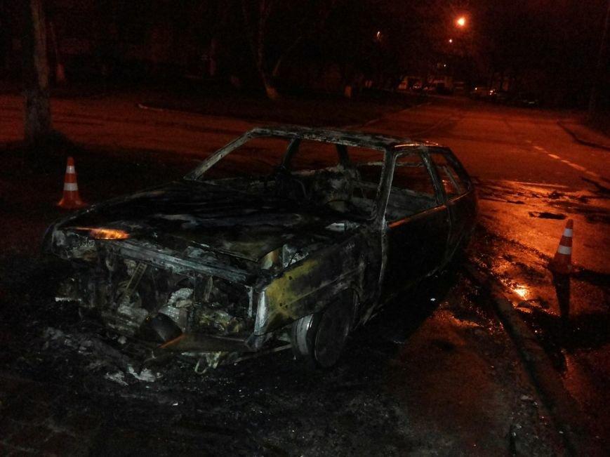 У Львові знову згоріла автівка. Подробиці (ФОТО) (фото) - фото 1