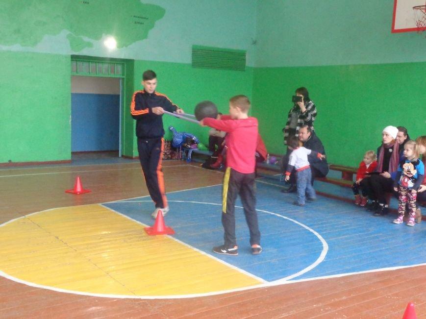 Сегодня в Красноармейске для детей переселенцев состоялись «Веселые старты» (фото) - фото 2