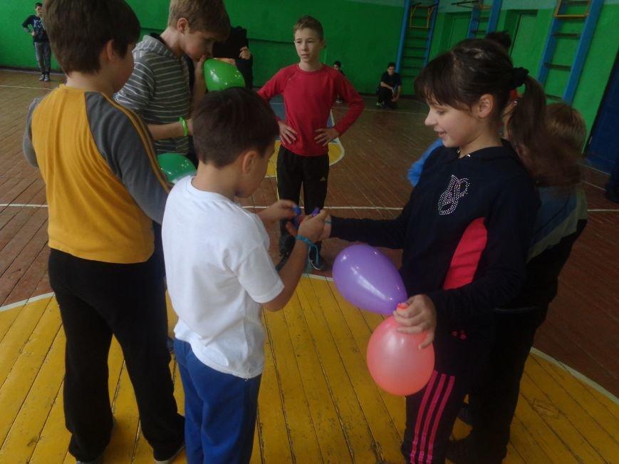 Сегодня в Красноармейске для детей переселенцев состоялись «Веселые старты» (фото) - фото 6