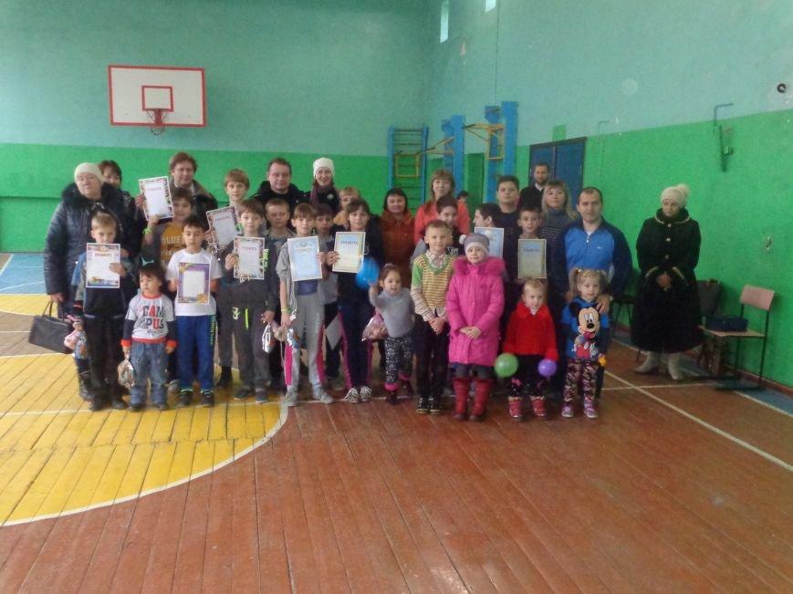 Сегодня в Красноармейске для детей переселенцев состоялись «Веселые старты» (фото) - фото 17