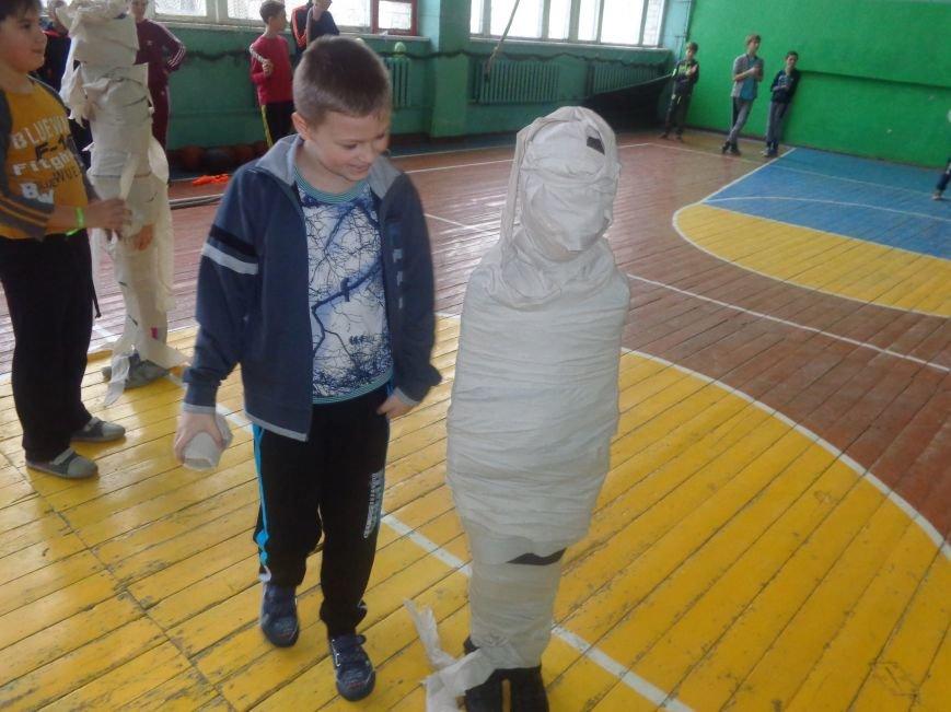 Сегодня в Красноармейске для детей переселенцев состоялись «Веселые старты» (фото) - фото 13