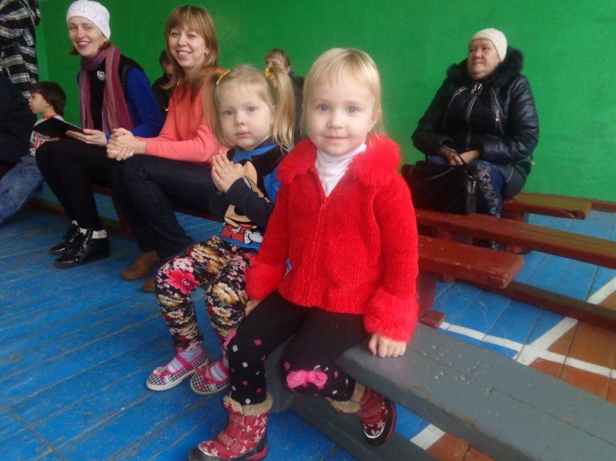 Сегодня в Красноармейске для детей переселенцев состоялись «Веселые старты» (фото) - фото 3