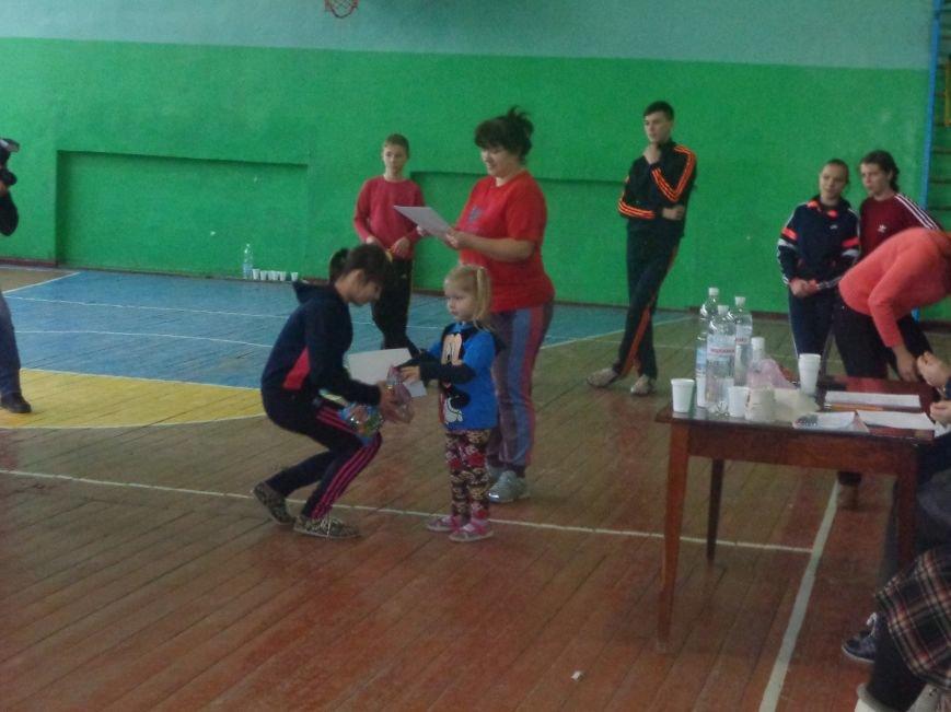 Сегодня в Красноармейске для детей переселенцев состоялись «Веселые старты» (фото) - фото 16