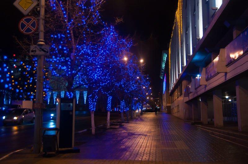 Предновогодний Белгород в огнях и ожидании снега (фото) - фото 7