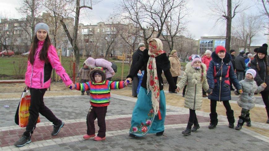 В северодонецком сквере Гоголя показали спектакль «Ночь перед Рождеством» (ФОТО), фото-8