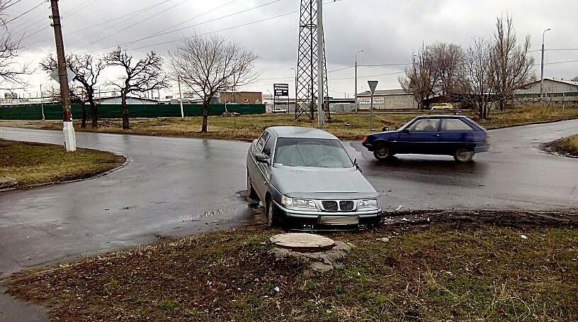 В Мариуполе столкнулись две легковушки (ФОТО), фото-2