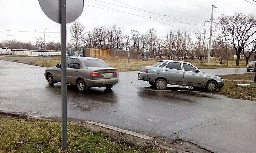 В Мариуполе столкнулись две легковушки (ФОТО), фото-3