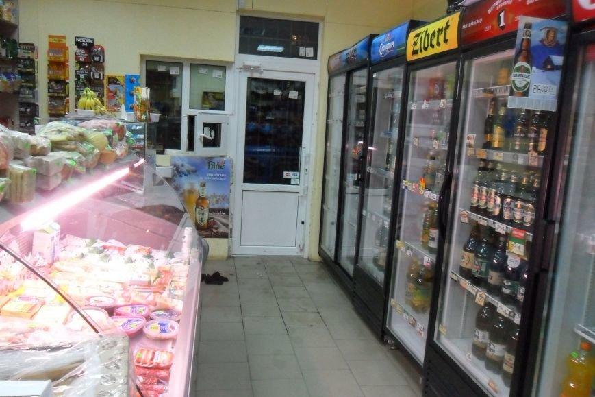 Кременчужане задержали вора, ограбившего продуктовый магазин (ФОТО), фото-4