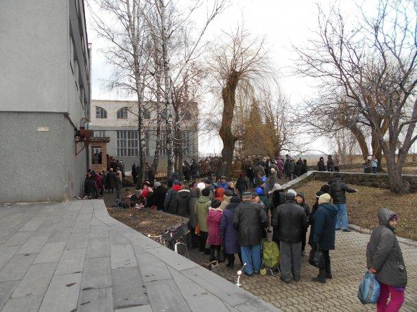 Продуктовая помощь для жителей Авдеевки (ФОТОРЕПОРТАЖ), фото-6