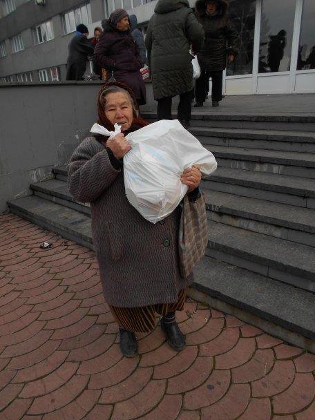 Продуктовая помощь для жителей Авдеевки (ФОТОРЕПОРТАЖ), фото-5