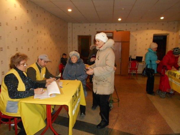 Продуктовая помощь для жителей Авдеевки (ФОТОРЕПОРТАЖ), фото-8