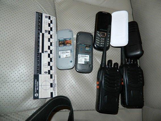 В Киеве полицейские нашли в остановленной машине оружие, наручники и балаклаву (ФОТО) (фото) - фото 5