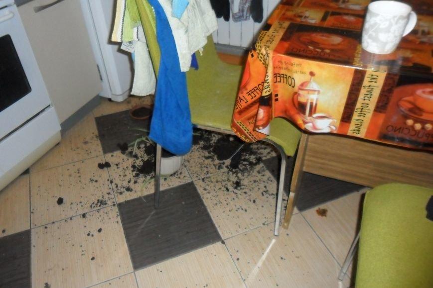 Кременчужанин поймал у себя в квартире пьяного вора-дилетанта (ФОТО), фото-2