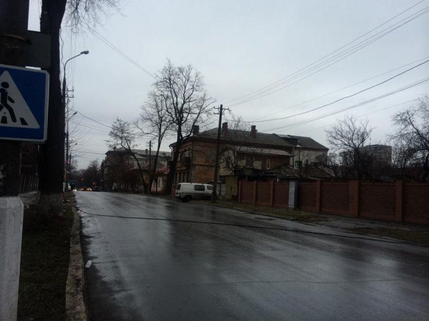 Оборванный кабель в Мариуполе перегородил улицу Итальянскую (Фотофакт), фото-3