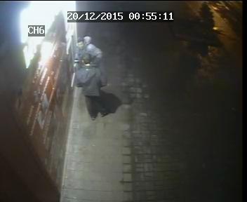 В Днепродзержинске двое неизвестных устроили поножовщину на проспекте Ленина (фото) - фото 2