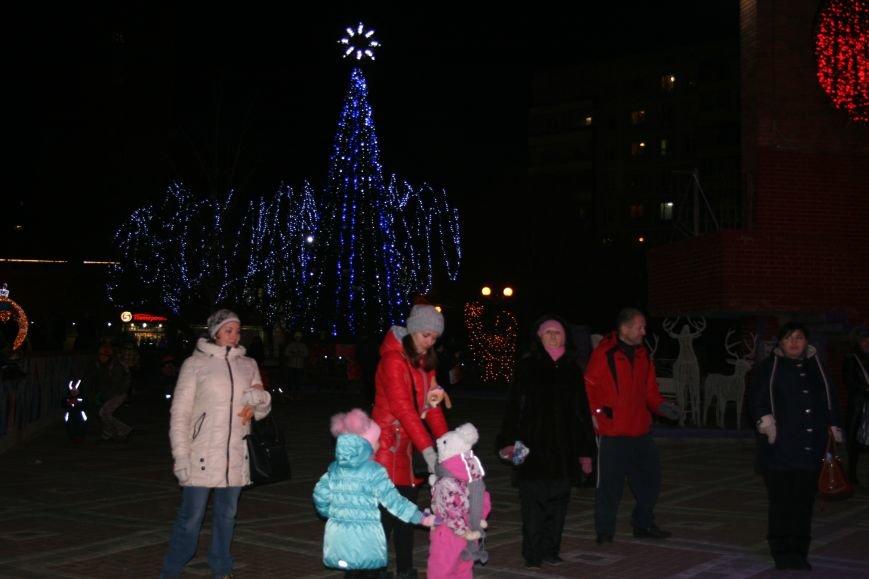 В новой Москве в Троицке продолжается новогодний фестиваль «Путешествие в Рождество» (ФОТО), фото-5