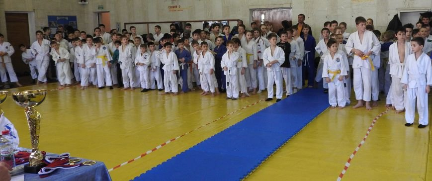 В Симферополе 150 мальчиков и девочек на татами боролись за призы  Рождественского турнира по дзюдо (ФОТО) (фото) - фото 1