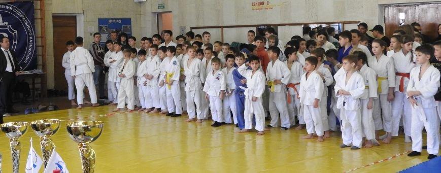 В Симферополе 150 мальчиков и девочек на татами боролись за призы  Рождественского турнира по дзюдо (ФОТО) (фото) - фото 2