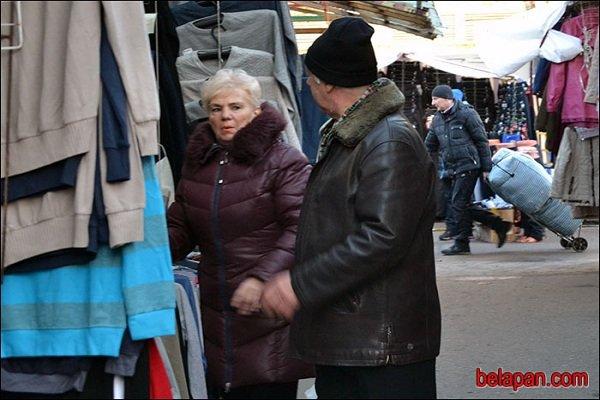 Гродненские предприниматели торгуют остатками товара, надеясь на отмену сертификации (фото) - фото 2