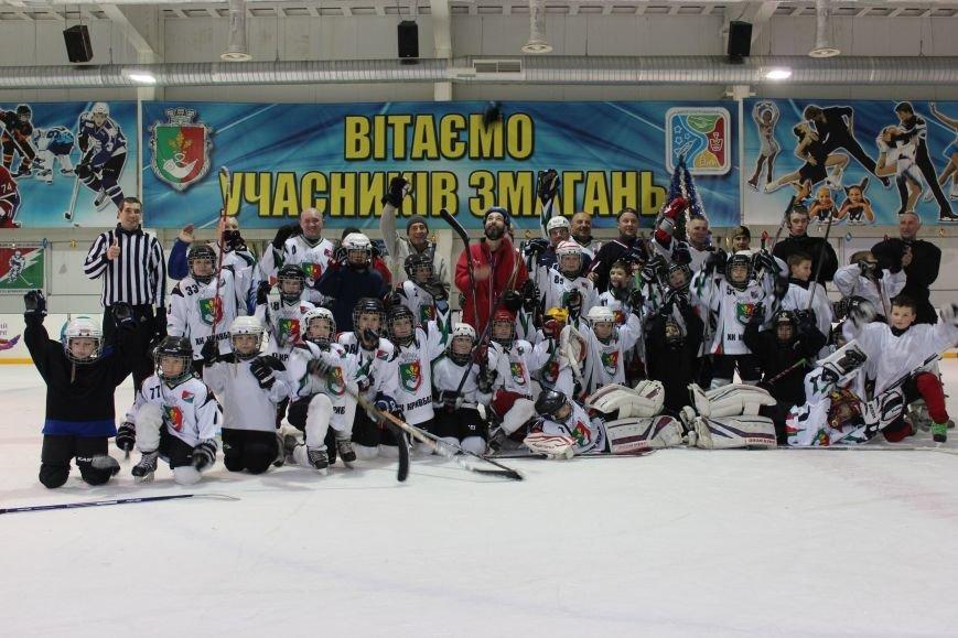 На Ледовой арене устроили новогодние праздники для юных криворожских спортсменов (ФОТО) (фото) - фото 2