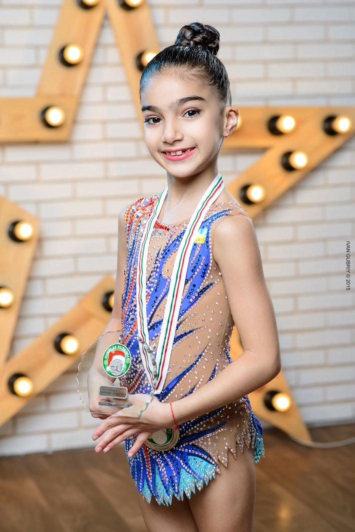 Семилетняя жительница Днепропетровщины вошла в спортивную историю (фото) - фото 2