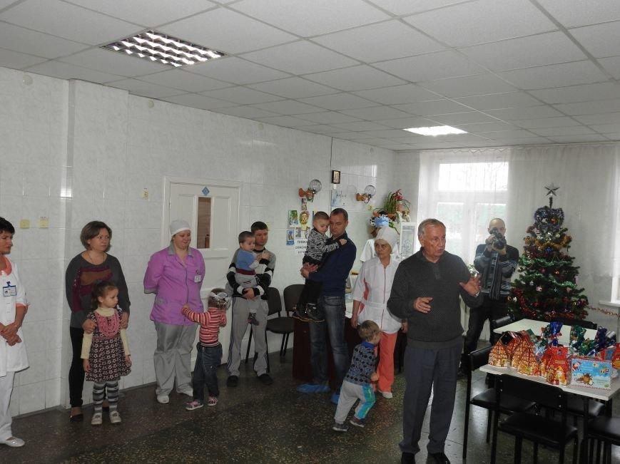 Детское отделение Ильичёвской бассейновой больницы посетил Валерий Хмельнюк (+фото) (фото) - фото 3