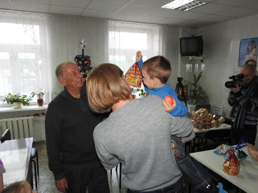 Детское отделение Ильичёвской бассейновой больницы посетил Валерий Хмельнюк (+фото) (фото) - фото 4