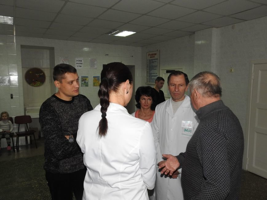 Детское отделение Ильичёвской бассейновой больницы посетил Валерий Хмельнюк (+фото) (фото) - фото 1