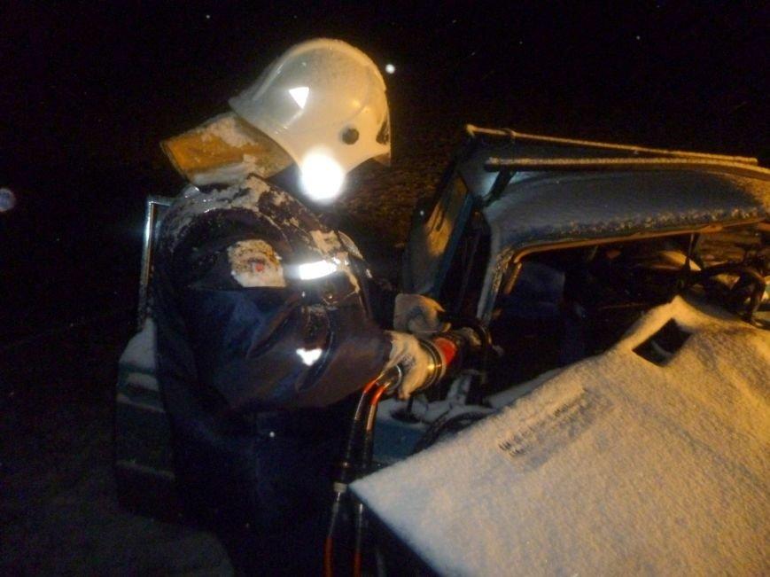 В ДТП в Ростовской области один человек погиб, еще трое в больнице (фото) - фото 1