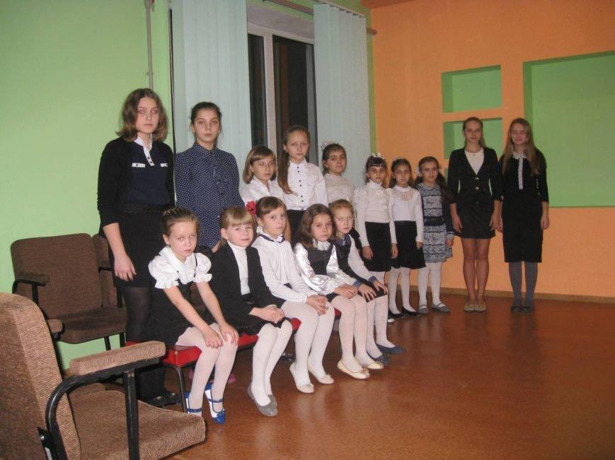 В Белицком состоялись соревнования пианистов музыкальных школ Добропольского района (фото) - фото 1