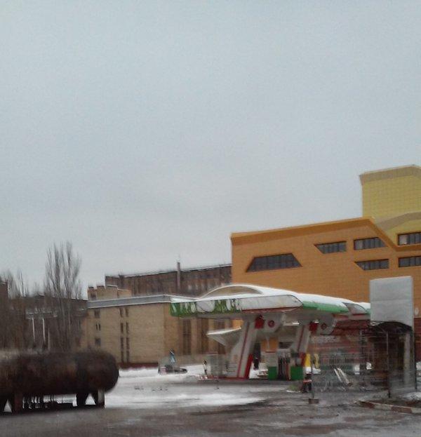 В центре Донецка взорвалась заправка (фото) - фото 1