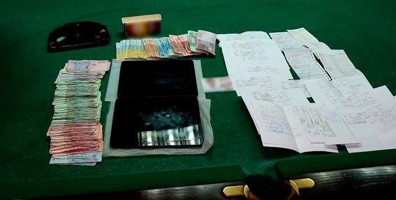 На Днепропетровщине разоблачили подпольное игорное заведение, где вместо автоматов использовали планшеты (фото) - фото 1