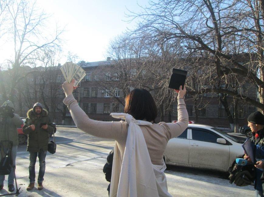 Активисты под Жовтневым судом Мариуполя требовали уволить судью, отпустившего сепаратиста (ФОТО+ВИДЕО), фото-6